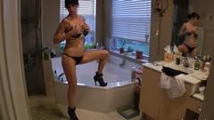 Грудастая жена трахается с соседом, фильм с порнозвездой евой энджел